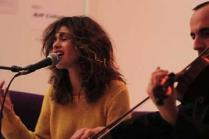 Riff Cohen – « Tzama Nafshi » en session acoustique