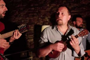 Oldelaf – « Nos jours heureux » en session acoustique