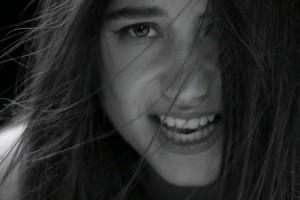 Izia : « La vague » qui dérange ses fans