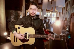 Low Roar – « Without You » en session acoustique