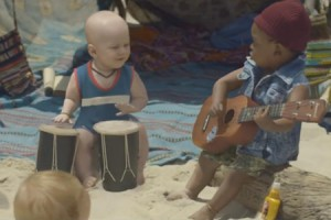 Evian Baby Bay : la musique du spot de pub signée Lilly Wood and the Prick
