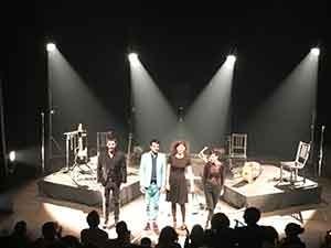 La magie d'Albin de la Simon opère sur le public parisien