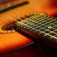 Pourquoi une corde de guitare se casse ?